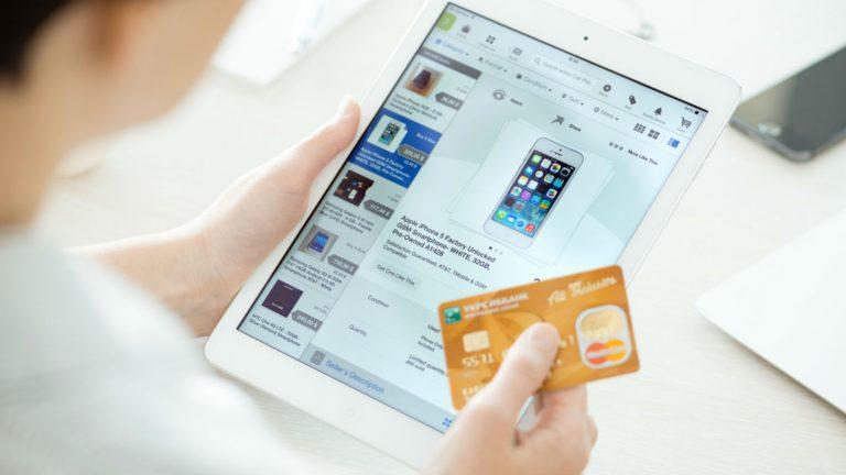 Loyalizing customers: The 7 basic steps to enhance the online customer journey