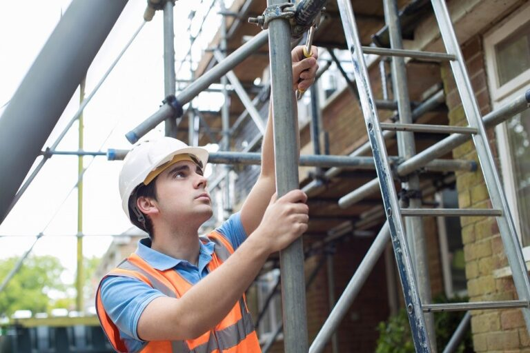 Who can complete a scaffold inspection?